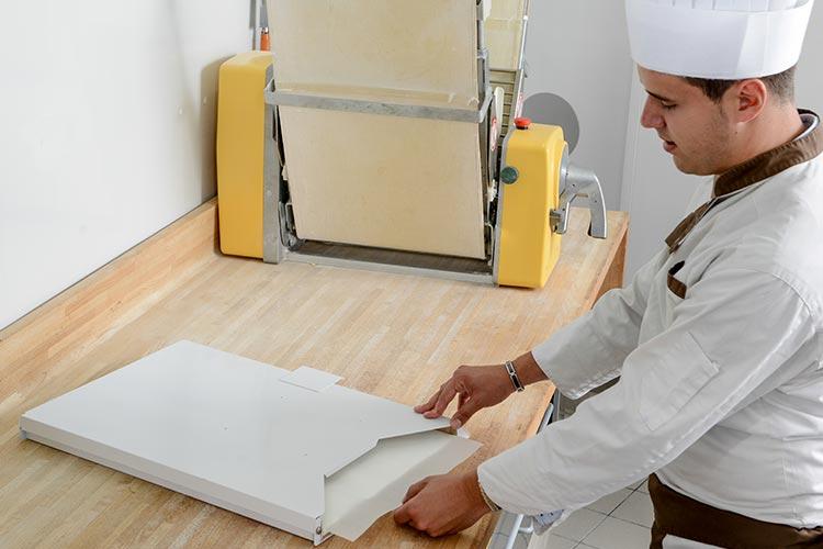 Distributeur papier cuisson